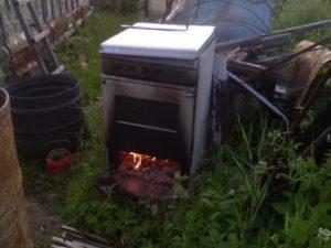 Коптильня из газовой плиты