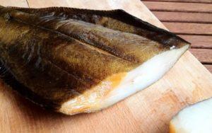 Белая рыба холодного копчения