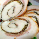 Свиной рулет из брюшины с зеленью и специями