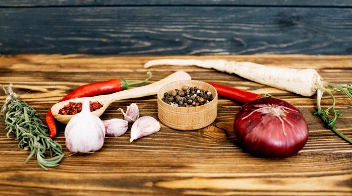специи и овощи для маринада